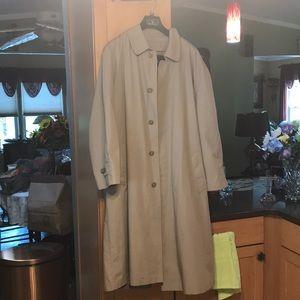 Very nice like new men's London fog jacket